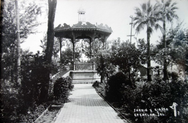 Jardin y Kiosko