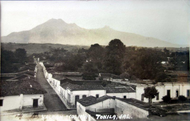 El Volcan de Colima visto desde Tonila Jalisco ( Fechada el dia 16 de Diciembre de 1929 )