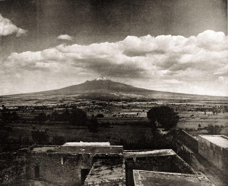 El Matlacuéyatl (Malinche), visto desde Tlaxcala.