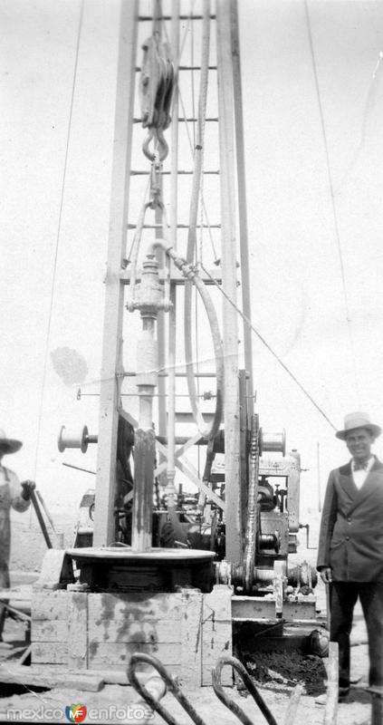 Perforación de pozo hidráulico (circa 1940)