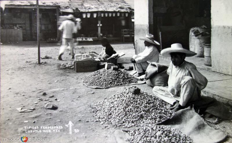 Tipos Mexicanos tipicos vendedores de Cacahuates.