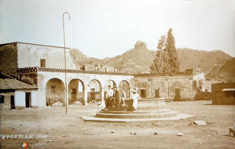 La Plaza y Fuente.