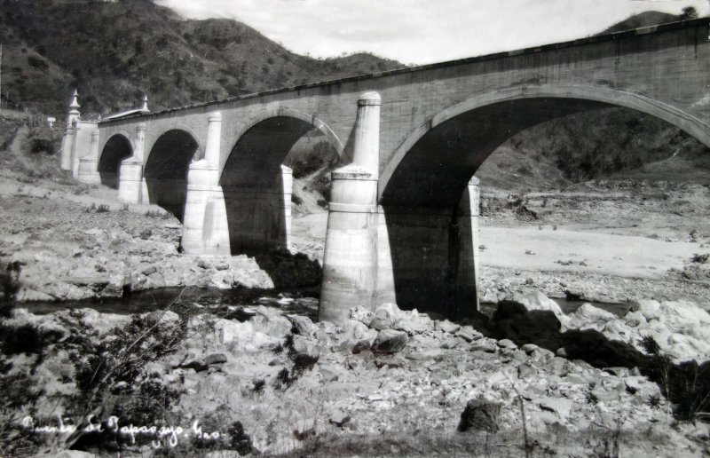 Puente de Papagayo.