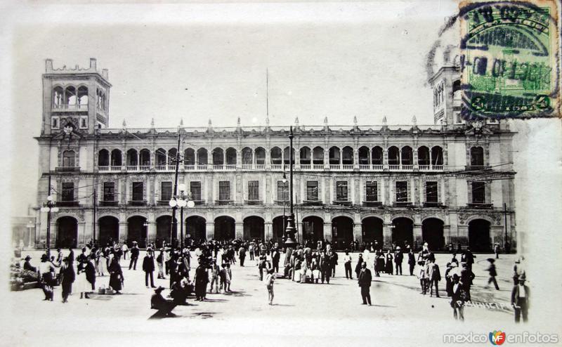 Palacio Municipal ( Fechada el 21 de Diciembre de 1930 ) .