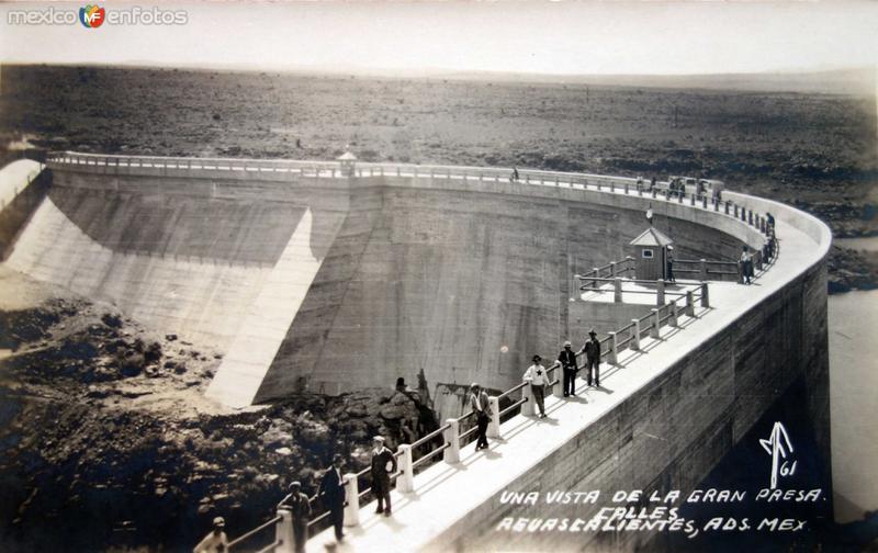 Vista de la gran presa Calles.