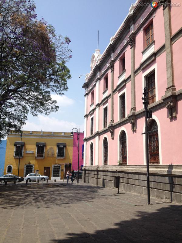 Callejón de Los Sapos y Edificio El Carolino. Abril/2017