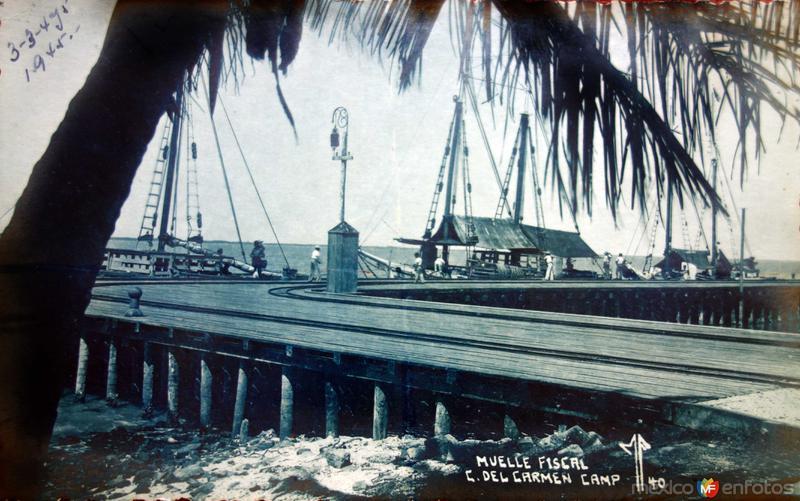 Muelle Fiscal fechada el 3 de Agosto de 1945