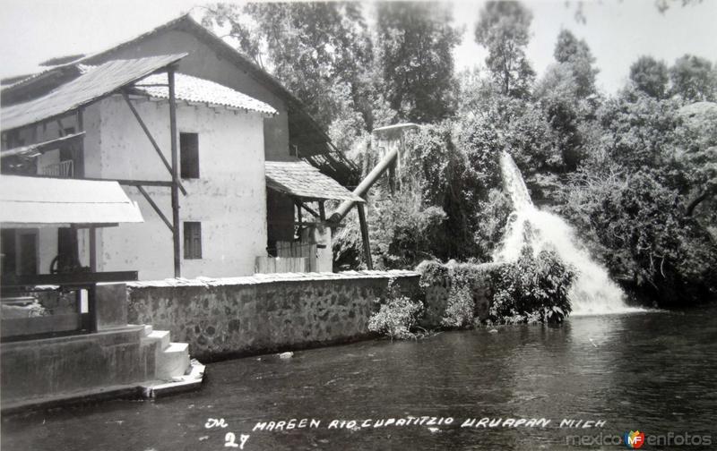 Margen de el Rio Cupatitzio Uruapan Michoacan.
