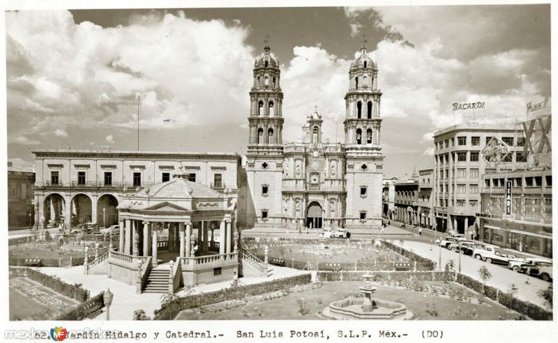 Jardín Hidalgo y Catedral