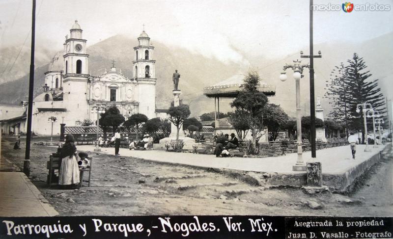 Parroquia y Parque por el Fotógrafo Juan D. Vasallo
