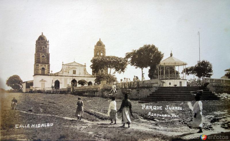Calle Hidalgo y Parque Juarez.