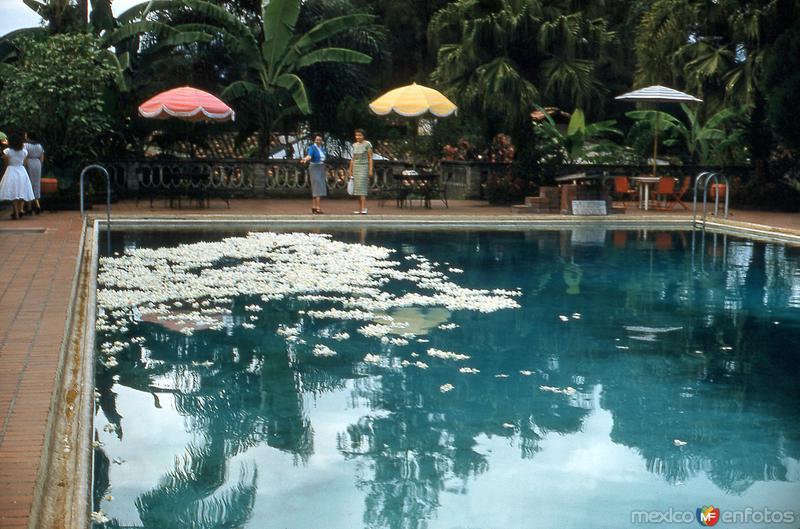 Alberca del Hotel Ruiz Galindo (1958)