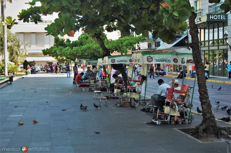 Boleros en la Plaza de Armas