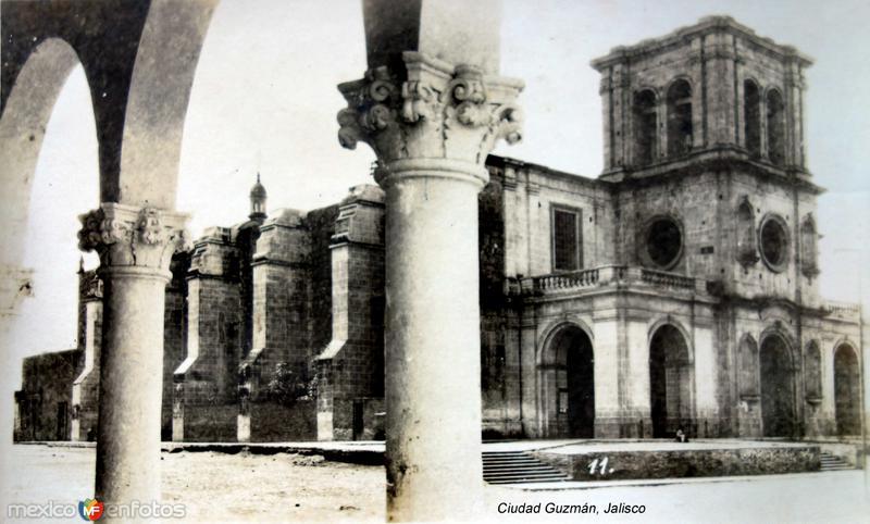 La Iglesia de Ciudad Guzmán, Jalisco ( Circulada el 5 de Octubre de 1936 ).