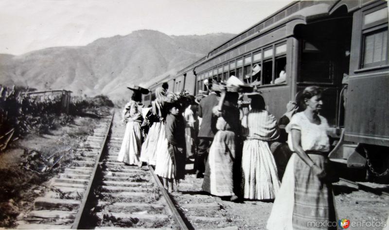 Lugar no identificado Estacion de Ferrocarril.
