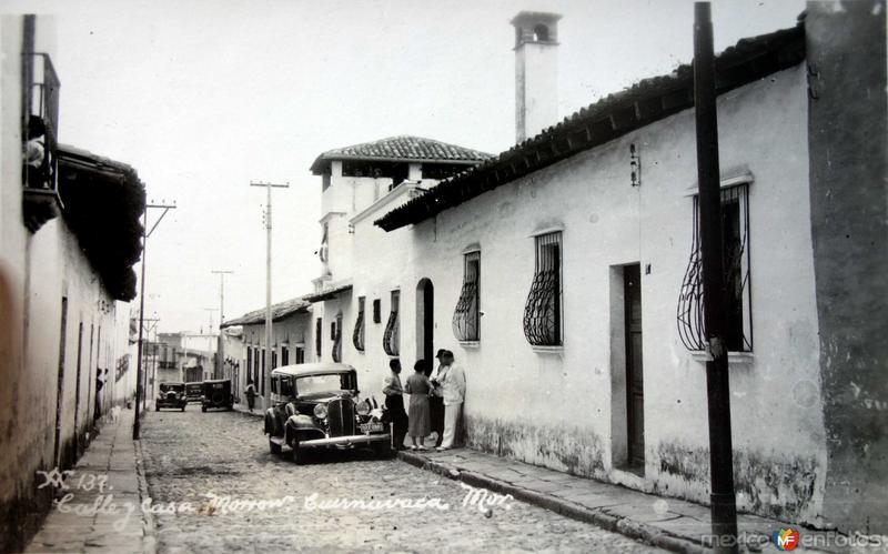 Calle y casa Morrow.