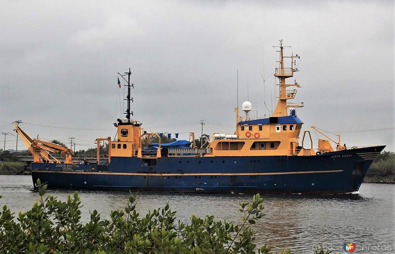Barco oceanográfico Justo Sierra