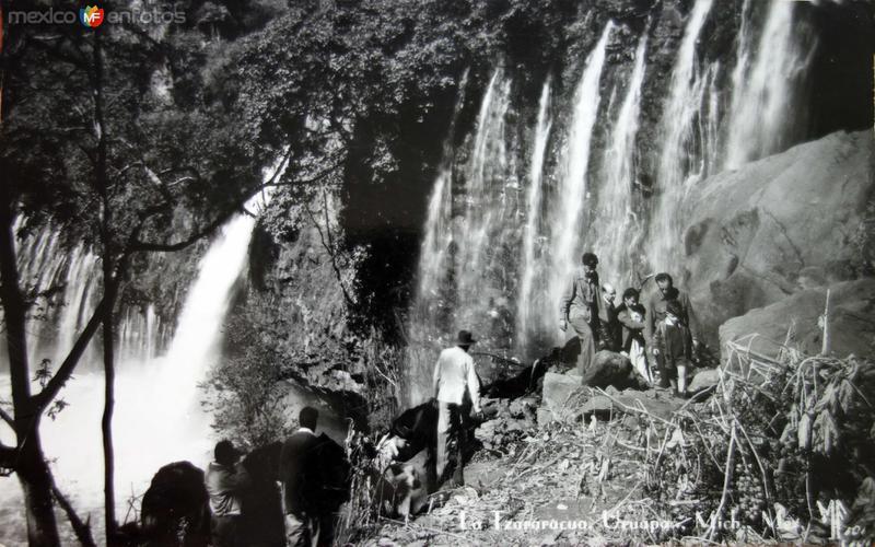 Cascada La Tzaracua.