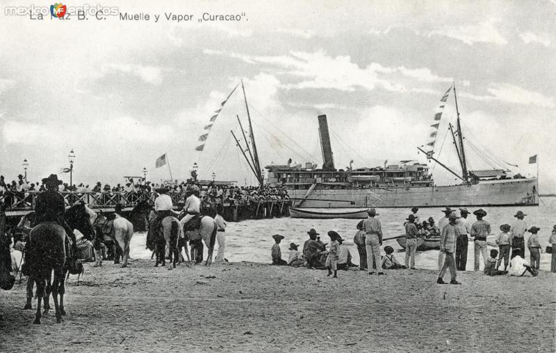 Muelle de La Paz y vapor Curacao