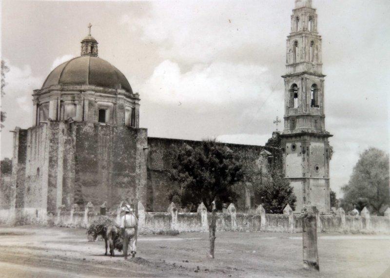 Lugar no identificado una Iglesia.