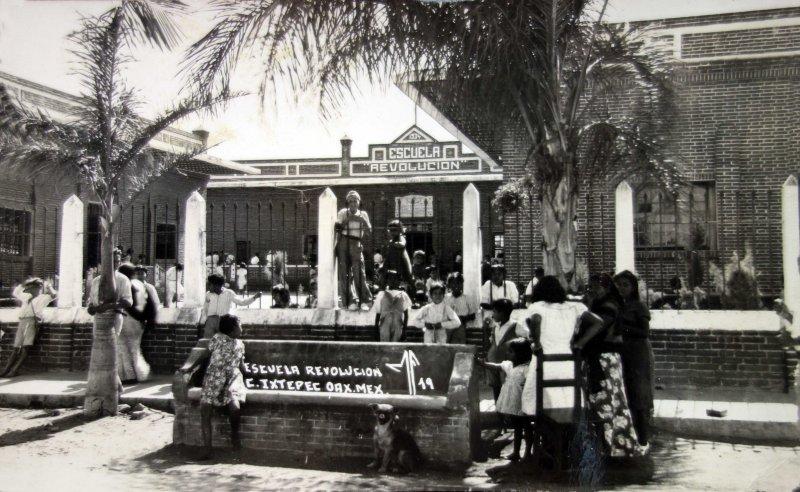 Escuela Revolucion