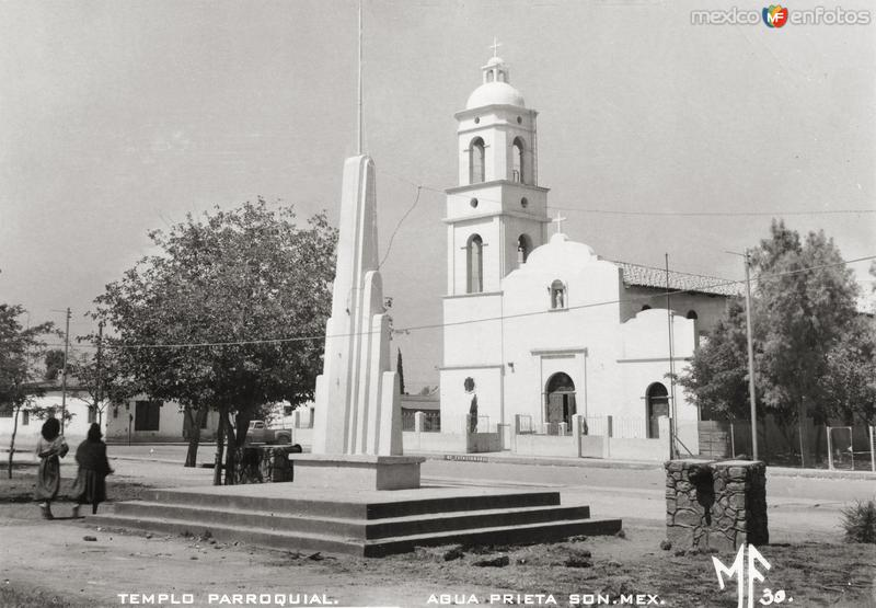 Plaza y Templo Parroquial