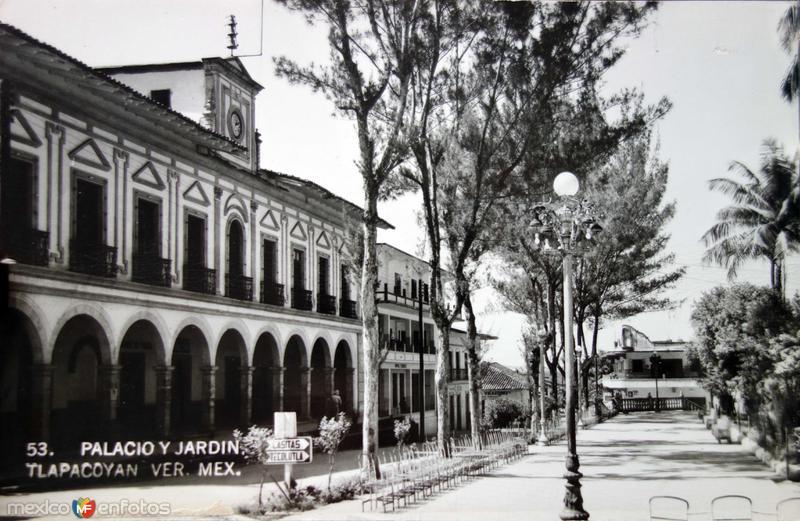 Palacio y Jardin.