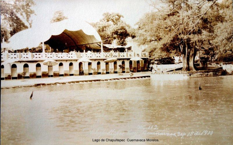 Lago de Chapultepec Cuernavaca Morelos ( Fechada el 15 de Septiembre de 1933 ).