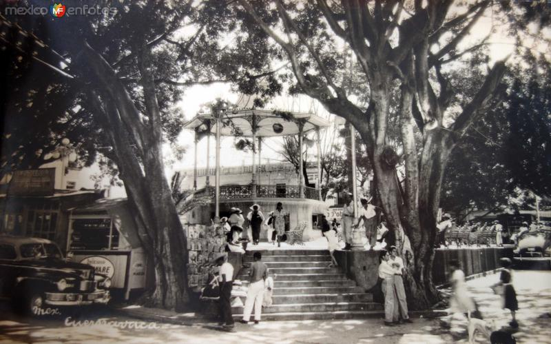 La Plaza y kiosko.