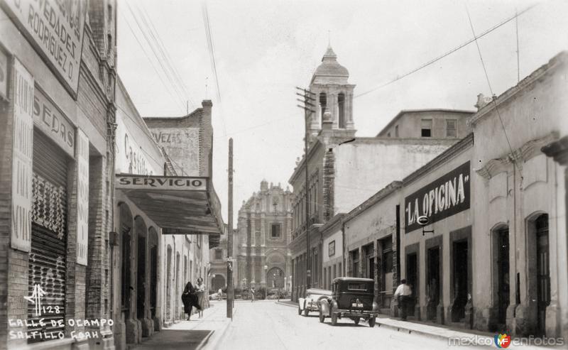 Calle de Ocampo, con vista a la Catedral