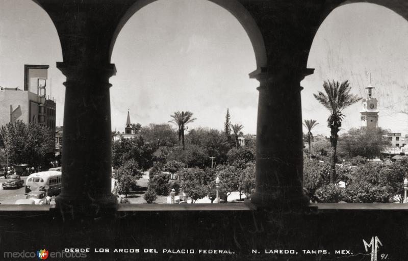 Plaza Hidalgo, desde los arcos del Palacio Federal