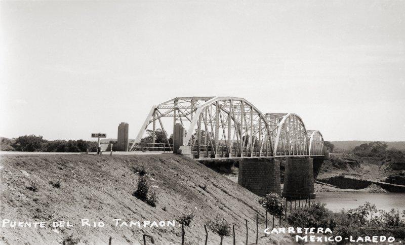 Puente sobre el Río Tampaón