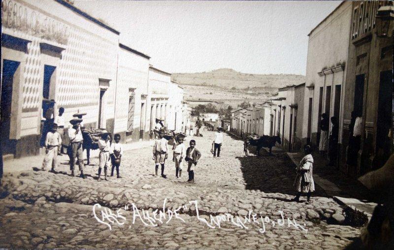 Calle Allende.