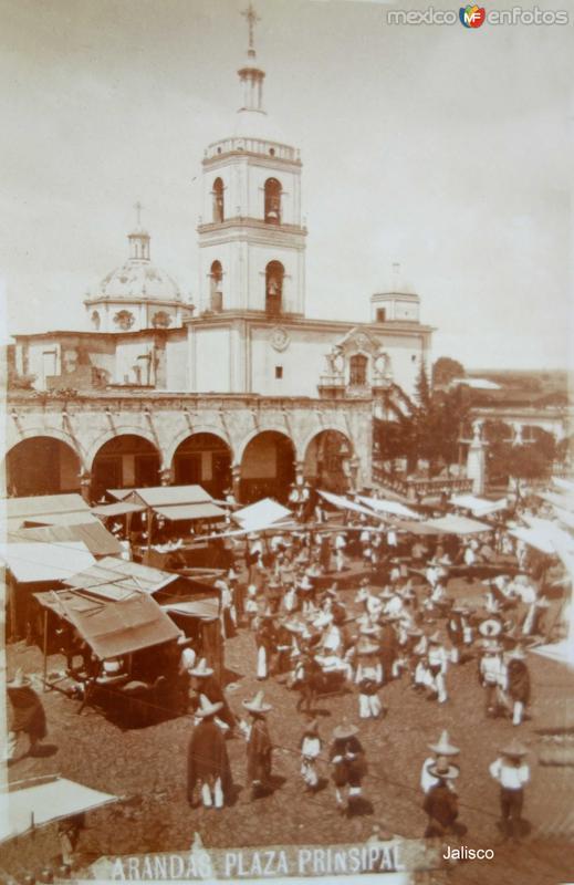 La Plaza principal.