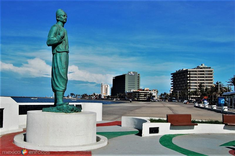 Monumento al Inmigrante Libanés