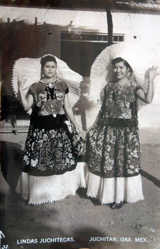 Tipos Mexicanos unas lindas Juchitecas.