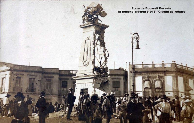 Plaza y reloj de Bucareli Durante la Decena Trágica (1913). Ciudad de México.