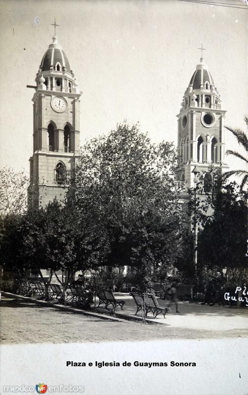 Plaza e Iglesia de Guaymas Sonora ( Circulada el 18 de Marzo de 1912 ).