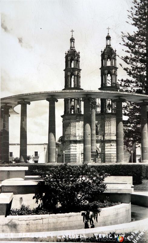La catedral. ( Circulada el 7 de Agosto de 1955 ).