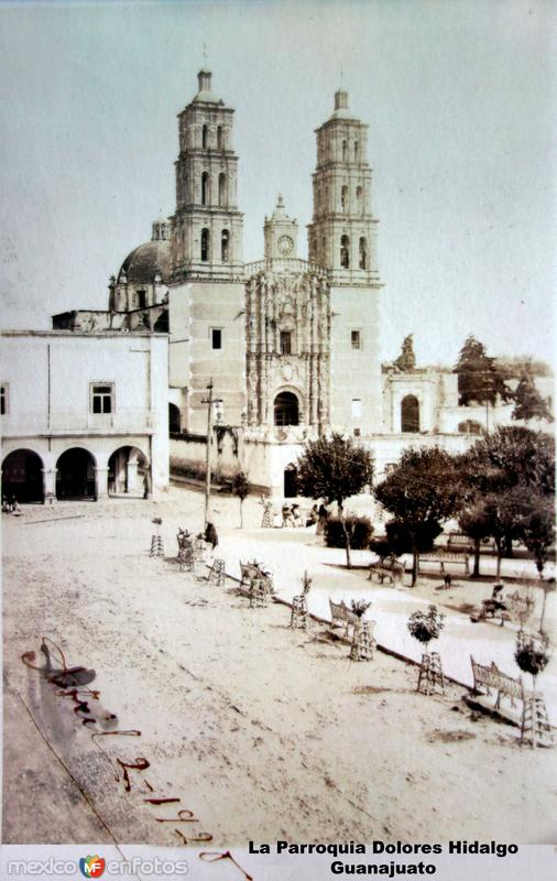 La Parroquia Dolores Hidalgo Guanajuato ( Circulada el 2 de Abril de 1920 ).