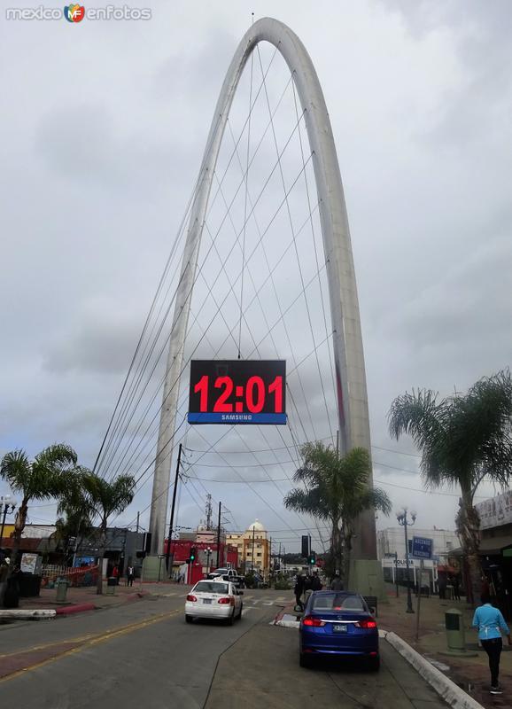 Arco Reloj Monumental