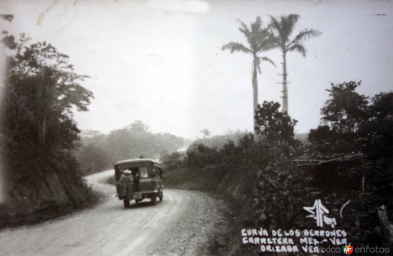 Curva de Los Berrones Carretera Mex-Ver..