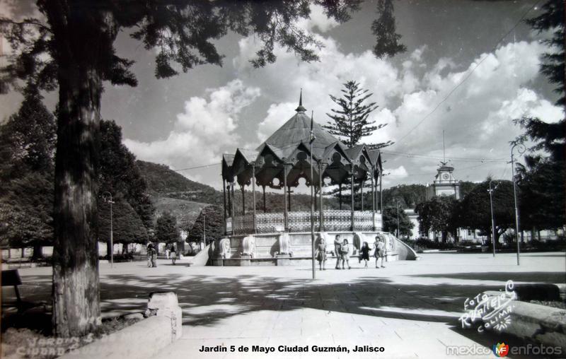 Jardin 5 de Mayo Ciudad Guzmán, Jalisco .