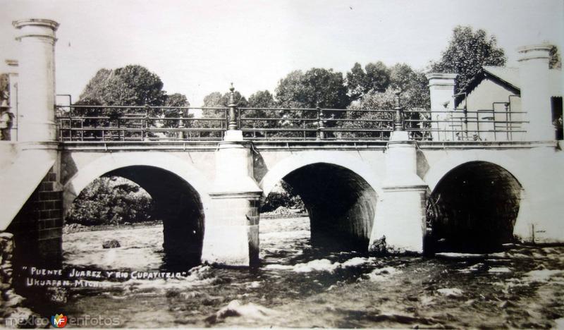 Puente Juarez y Rio Cupatzio.