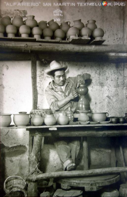 Tipos Mexicanos un alfarero.