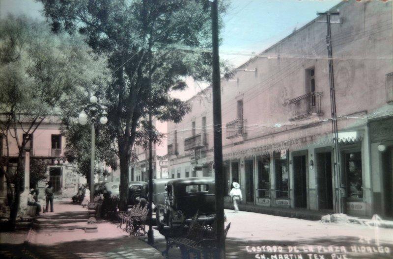 Costado de La Plaza Hidalgo.
