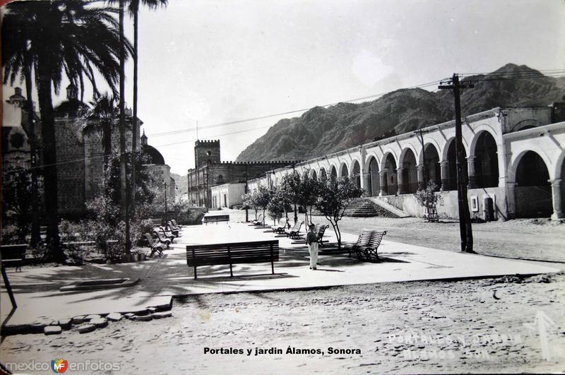 Portales y jardin Álamos, Sonora.