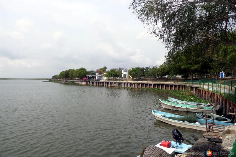 Paseo Laguna el Champayan