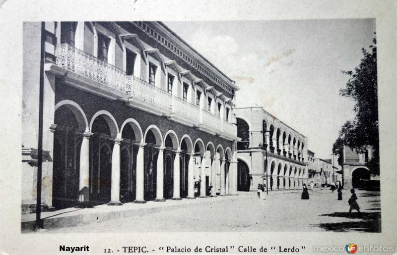 Palacio de cristal y calle de Lerdo.( Circulada el 26 de Diciembre de 1919 ).