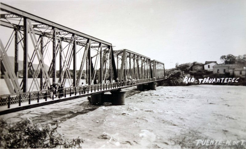 Puente N de T Rio Tehuantepec.
